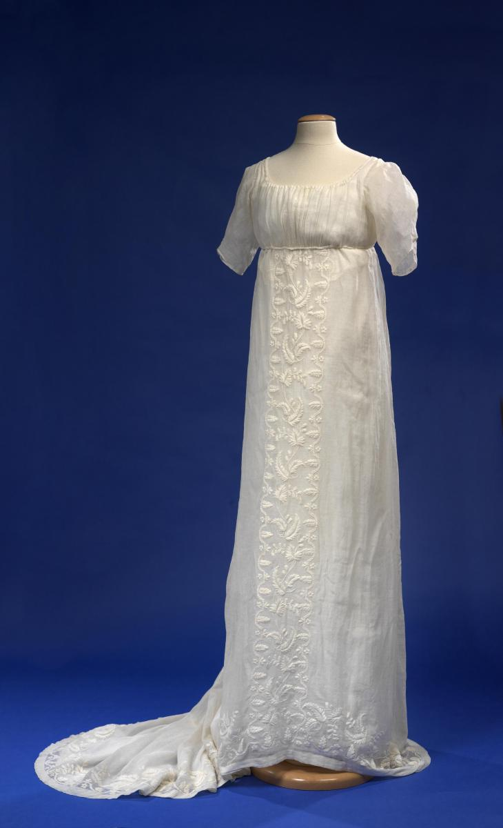 Pre Embroidered In India For The American And European Markets Is Said To Have Been A Wedding Dress Surely Many Fashionable Bride Would