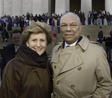 DAR President General Linda Gist Calvin with General Colin Powell after the ceremony.