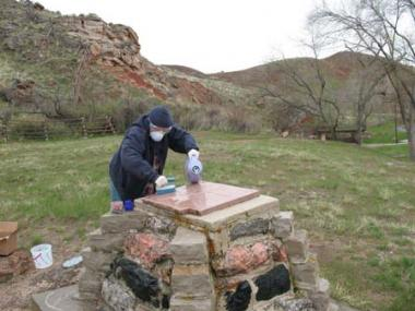 Wyoming's Big Horn Chapter conserved and re-dedicated a sandstone monument placed by a DAR chapter in the 1920s marking the site of an original bathhouse used by Shoshone Indian Chief Washakie.