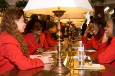 Members of the Chicago Children's Choir enjoyed refreshments in the DAR Library.