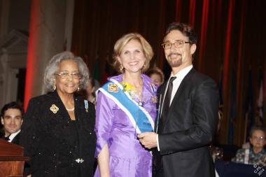 AMC's dramatic series TURN was presented with the 2014 DAR Media and Entertainment Award. Barry Josephson, Executive Producer of the series, accepted on behalf of AMC. He is pictured with Wilhelmena Kelly, National Chair of the DAR Public Relations and Media Committee, and DAR President General Lynn Young.