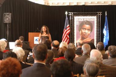 January 27, 2005 – Attendees at the First Day of Issue Ceremony listen to the musical performance of opera star and Washington, D.C. native, Denyce Graves and local pianist Michael Adcock.