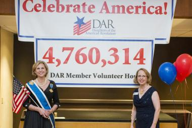 A fun new Congress evening event was hosted at the convention hotel on Friday, June 27, 2014. Celebrate America Night highlighted DAR members outstanding commitment to volunteerism. It was revealed on Opening Night that DAR members had recorded 4,760,314 hours of volunteer service in 2013. President General Lynn Young and Celebrate America! Committee National Chair, LeAnn Turbyfill, were in awe of how members blew away the original goal of 1 million hours of service in 2013.