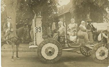 Nemasket Chapter, Middleboro, Massachusetts participated in a parade in 1914.