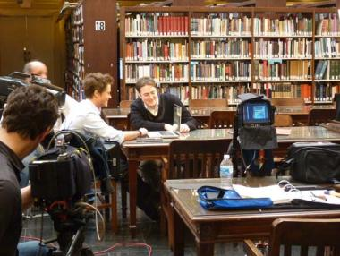 Rob Lowe and independent genealogist Josh Taylor search for clues about Rob's ancestor.
