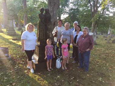 The Hannah Cole Chapter, MO, cleaned headstones at the Walnut Grove Cemetery.
