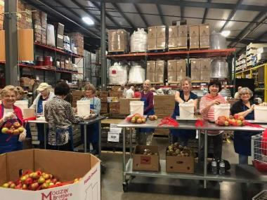 The Chickamauga Chapter spent their day providing 45 total volunteer hours at the Chattanooga Area Food Bank. Their members also contributed financially to the food bank, with a monetary donation that will provide 2,000 meals to area families in need.